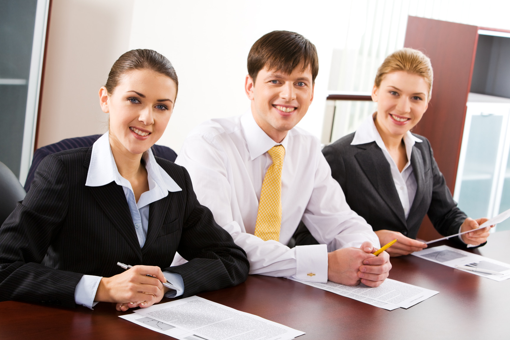 three engagement employee person recognition business improving strategies go7